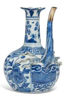 A BLUE AND WHITE 'POMEGRANATE' EWER WANLI PERIOD (1573-1619)