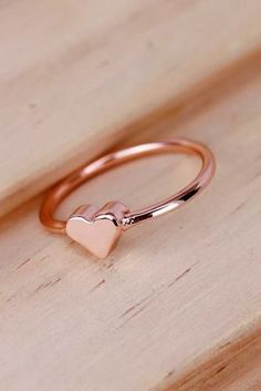 The Most Popular Promise Rings For Your Love ★ promise rings rose gold engagement rings unique engagement rings simple rings sunflowerjewels Matching Promise Rings, Unique Promise Rings, Promise Rings For Couples, Rings For Girls, Rings For Men, Little Girl Rings, Rose Gold Promise Ring, Cute Rings, Pretty Rings