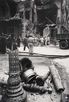 Robert Capa, Wartorn Buildings, 1945