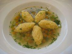 Polenta dumplings as a soup inlay from Mc - fly Soup Recipes, Healthy Recipes, Healthy Food, Fodmap, Dumplings, Plant Based Recipes, Potato Salad, Food And Drink, Potatoes