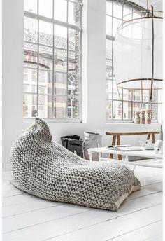 pouf géant tricoté