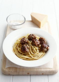 Meatballs with Garlic & Butter Spaghetti