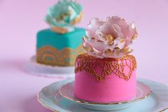 In this tutorial I show you to how create beautiful tiny fondant covered caked the easiest way I know how. The cakes are then decorated with gold glistening ...