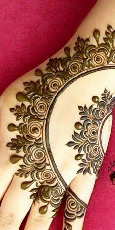 Easy Mehndi Design On this festive season try these Latest & Stylish Simple Mehndi Design Images. Simple Mehndi Designs Images, Stylish Mehndi Designs, Mehndi Design Photos, Beautiful Mehndi Design, Arabic Mehndi Designs, Mehndi Images, Mehndi Designs For Hands, Bridal Mehndi Designs, Mehandi Designs Easy