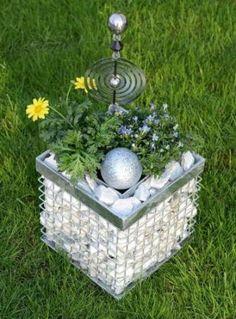Der Blumenkasten aus Gabionen