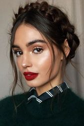 Crown Headband Braids ❤ You will definitely need some ideas of e.,Crown Headband Braids ❤ You will definitely need some ideas of easy hairstyles to have the most exciting and relaxing spring break. Celebrity Hairstyles, Hairstyles Haircuts, Braided Hairstyles, Wedding Hairstyles, Simple Hairstyles, Medium Hairstyles, Natural Hairstyles, Red Lip Makeup, Glowy Makeup