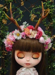 OOAK Custom Blythe Doll - Forest Girl #blythe #custom #forestgirl #deer Custom by R. Szani Diorama by R.Szani Outfit by Wivi Szani (Wilma Garcia) Maison Szani Art & Fashion Dolls Base: RBL TAKARA Blythe Doll - Welcome Winter Owner: @carlafung