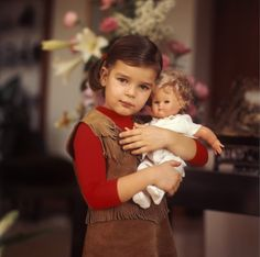 Noblesse  Royautés:  Princess Stephanie of Monaco and her doll, 1969