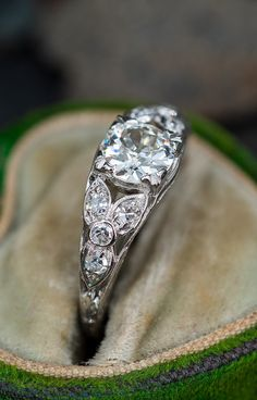 1930's Floral Beauty w/ Old Euro Diamond. Sku EJ17442. Antique Engagement Rings, Antique Rings, Diamond Engagement Rings, Vintage Style Rings, Vintage Jewelry, Bling Wedding, European Cut Diamonds, Diamond Are A Girls Best Friend, Luxury Jewelry