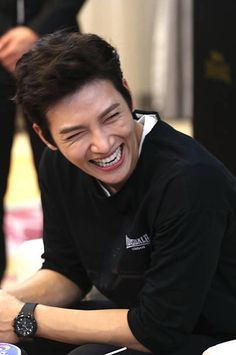 South Korean actor Ji Chang-wook attends a commercial event on September 2015 in Hangzhou, Zhejiang Province of China. Ji Chang Wook Smile, Ji Chang Wook Healer, Ji Chan Wook, Korean Star, Korean Men, Asian Men, Asian Guys, Asian Actors, Korean Actors