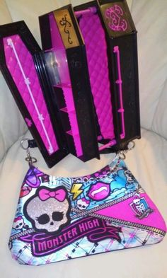 """""""Monster High"""" caboodle coffin with matching kids handbag...Excellent! #coffincaboodlebox"""