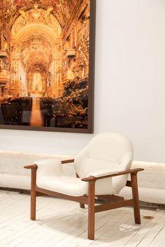 Veronica armchair by Jorge Zalszupin. Available at ESPASSO. Midcentury modern Brazilian design.