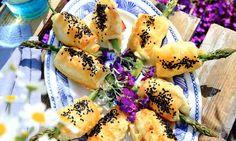Knytena med färsk sparris och rökt skinka är ett trevligt tilltugg. Sushi, Ethnic Recipes, Food, Eten, Meals