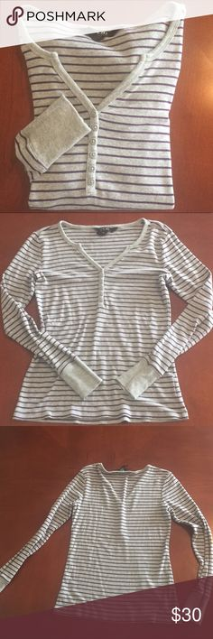 BCBG Paris Heather Gray & Grape Stripe Henley BCBG Paris Heather Gray & Grape Stripe Long Sleeve Henley, 1/2 Button Down. 60% Algodon & 40% Modal. size Small. BCBG Tops