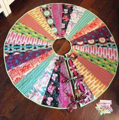 my fabric relish: Free Christmas Tree Skirt Pattern on Craftsy
