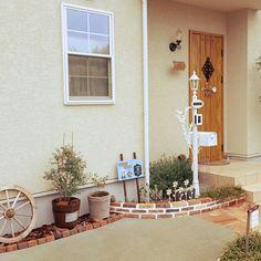 Pebble Garden, Home And Garden, Cottage, Exterior, Table Decorations, House, Outdoor, Home Decor, Decks
