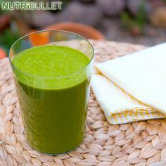 Looking to mix things up with your NutriBullet or Magic Bullet blender? Discover over 700 healthy NutriBullet smoothie and Magic Bullet recipes. Nutribullet Juice Recipes, Protein Smoothie Recipes, Green Smoothie Recipes, Smoothies, Vitamix Recipes, Rum And Lemonade, Lemonade Slushie, Fiber Rich Fruits, Magic Bullet Recipes