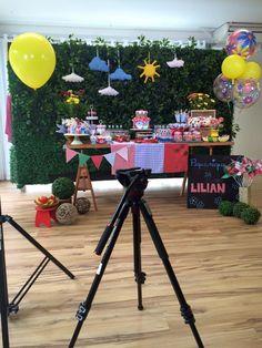 A #balãocultura levou a linha bubble em balões com tema florais, montamos um bouquet com balões de 24 polegadas e 15 polegadas para a #tribodasfestas nessa decoração da #festapicnic feita por #LilianRuas que está sendo usado no teaser de abertura do programa Eduk.  Consulte nos 11 50816916. #Hiperativa #Tribo daFesta #qualatex #qualatexbrasil #weloveballoon#festapicnic #picnic