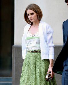 Olivia Palermo #greenskirt #whitejacket #greenandwhitetop