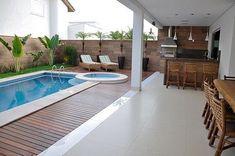 """3,200 curtidas, 58 comentários - A CASA QUE EU QUERO (@acasaqueeuquero) no Instagram: """"Domingo pede uma área externa Com piscina, melhor ainda!!! ❤️❤️❤️ - #áreaexterna #piscina #site…"""""""