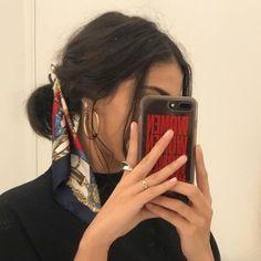 mirror selfie hair and beauty scarf accessories Scarf Hairstyles, Cute Hairstyles, Braided Hairstyles, Hairstyles 2018, African Hairstyles, Mode Outfits, Mode Inspiration, Inspiration Quotes, Hair Inspo