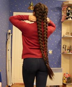 Interesting Hairdressing Tips You Should Use – Hair Wonders Long Hair Play, Very Long Hair, Girls With Long Hair, Indian Hairstyles, Braided Hairstyles, Cool Hairstyles, Long Indian Hair, Haircuts For Medium Hair, Playing With Hair