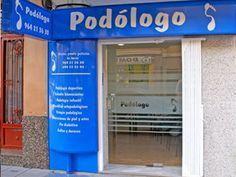 Entrada a la Clínica de Podología Llorens en la C/Joaquín Costa 22 de Castellón de la Plana.