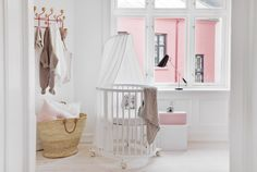 Sweet dreams with Stokke ! Stokke Sleepi Mini Crib in White with Canopy