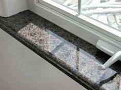 Granit Fensterbänke sind optimal für den Innen wie auch Außenbereich. In jeder Hinsicht stehen unsere Granit Fensterbänke für langfristige und beste Qualität.