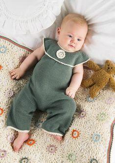 Ravelry: Green romper with yoke pattern by Lene Holme Samsøe Crochet Bebe, Knit Crochet, Crochet Hats, Knitting For Kids, Baby Knitting, Baby Kids, Baby Boy, Romper Suit, Knitted Romper