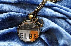 Halskette Maritimes Hamburg Elbe - Fotografie und Schmuck aus Hamburg - elbvue - Künstler und Designer unterstützen - Startups - Fotokette mit Anhänger - Hafen - Hamburger - Schiffe - Anker