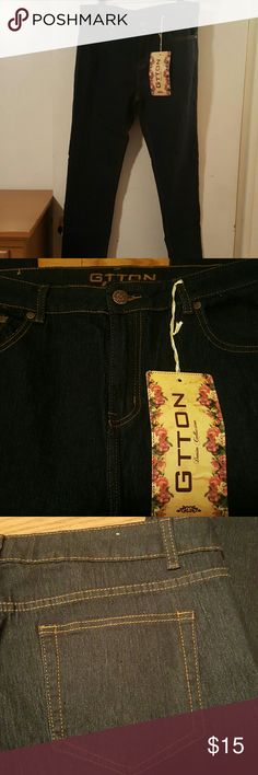 Stylish Womens Jeans Blue Jeans Size 20 73% Cotton 24%Terylene 3%Spandex.  Very Stretchy Smooth Feel Jeans Straight Leg