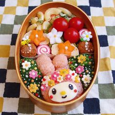 Article on Japanese Instagrammer's decorative lunches she makes for her husband.
