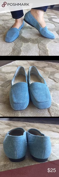 Denim Flats Shoes are In good condition. Very comfortable. Size 7.5 Worthington Shoes Flats & Loafers