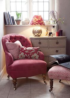 I love Kate Forman fabrics & interiors!