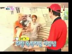 (U-KISS) Kevin's aegyo with Kiseop and the pizza man. ♥ - YouTube