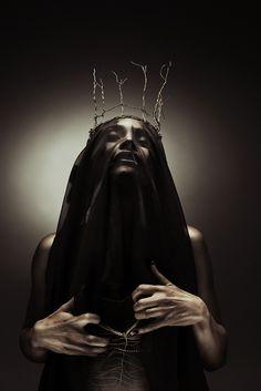 """Bronze Heart"" - Photographer & Retoucher: Manu Jerez - BlackbirdStudio / Stylist: Cecilia Veronica Auclerc - Cecil Vestuarios / Makeup: Sabrina Abadi Akebat / Model: Rocio Mariela Gonzalez"