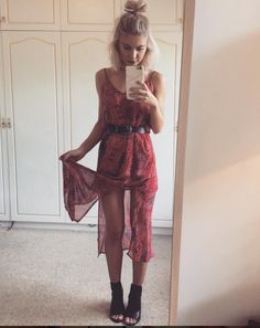 The stunning in the age of Aquarius dress by only one left in store size small x by mixandcoclothing Look Fashion, Fashion Beauty, Fashion Outfits, Fashion Design, Looks Boho Chic, Spring Summer Fashion, Spring Outfits, Laura Jade Stone, Insta Look