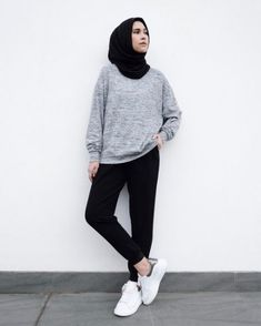 New style hijab casual kemeja Ideas Hijab Casual, Ootd Hijab, Hijab Chic, Casual Outfits, Fashion Outfits, Casual Pants, Classy Outfits, Simple Hijab, Casual Ootd