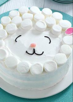 How cute is this lamb cake really great t make for Easter .. I love it and it is easy to make as well , so why not check it out
