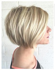 Short blonde bob hair style for women @cosmo_camee
