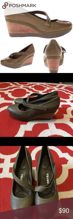 "Tsubo Karris Pump Wedge Heels Olive Green New! US Size 8, UK 6.5, EU 39, Japan 25. There are a few tiny knicks- see pics for closer details. The front toes have some slightly darker spots.  2 3/4"" wedge heel.  100% Leather Rubber sole Japanese for ""pressure point,"" Tsubo is designed for the fashion conscious, comfort-driven individual who wants the highest-quality materials along with the highest-quality product. Oval bubbles are strategically placed on the sole at various pressure points of…"