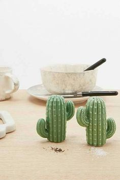 Cactus Salt and Pepper Shakers Home & Gifts Kitchen & Bar Kitchen Accessories Urban Outfitters