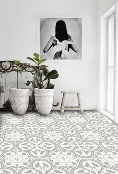 ▷ 1001 + ideas for flooring with advantages and disadvantages - Linoleum tiles in flowers pattern an interesting picture, two flower pots with plants - Vinyl Flooring Bathroom, Bathroom Vinyl, Linoleum Flooring, Bathroom Kids, Floors, Ästhetisches Design, Patchwork Tiles, Unique Flooring, Flooring Ideas