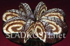Roláda s ořechovou nádivkou Slovak Recipes, Czech Recipes, Czech Food, Muffin, Breakfast, Cake, Bohemia, Cooking, Noel