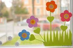 Frühling-Spring-Ostern-Fensterbild-Fensterdeko-Fenster-Dekoration-Pastell-Blumen-Stanzer-einfach-kleben-Cardstock-Papier-Osterhase