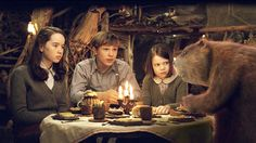 William Moseley, Anna Popplewell, Ray Winstone, and Georgie Henley in The Chronicles of Narnia: The Lion, the Witch and the Wardrobe (2005)