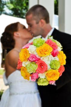 Citrus Hued Wedding Bouquet|Photo by:  fotowerkscustomphotography.com