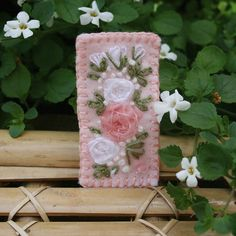 Embroidered Brooch - Pink Rose Bouquet on Felt £7.50