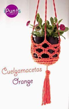 Pot holder # easy # of # Pattern # of – crochet pattern Crochet Diy, Crochet Home, Crochet Gifts, Crochet Plant Hanger, Knitting Patterns, Crochet Patterns, Yarn Crafts, Crochet Flowers, Crochet Projects